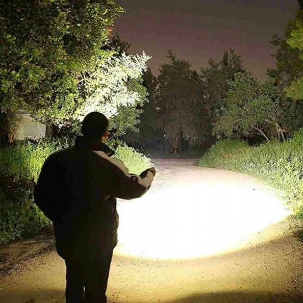 rugged light pro tactical flashlight